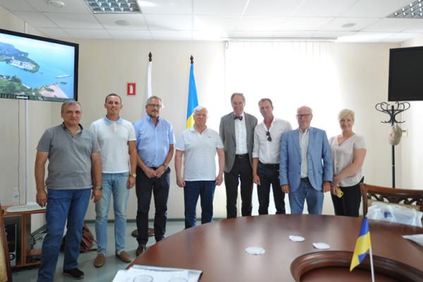 Європейські експерти проекту «Сприяння транспортному розвитку річки Дніпро» ЄС відвідали миколаївські підприємства «НІБУЛОНа»
