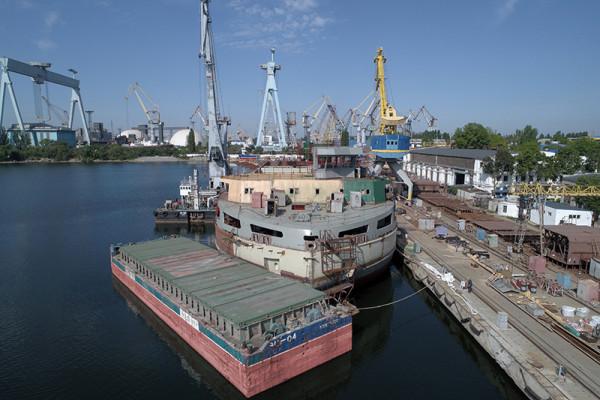 Нібулонівські суднобудівники встановили основний пост керування  плавкраном NIBULON MAX
