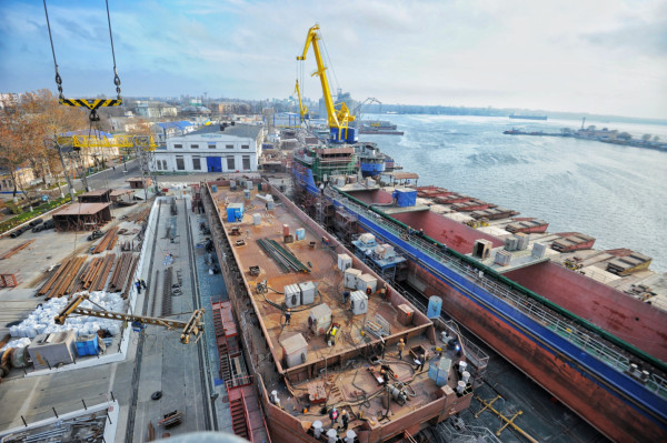 NIBULON's Shipbuilders Construct the Third Non-self-propelled Open Type Vessel (В1500 Project)