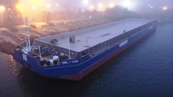 Найсучасніший український флот «НІБУЛОНа» налічує уже 77 одиниць: перше несамохідне судно проєкту В1500 спущено на воду