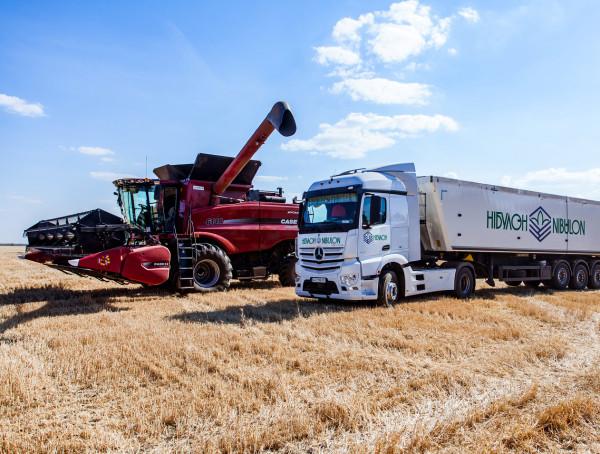 Збиральна кампанія ранніх зернових культур 2020 триває