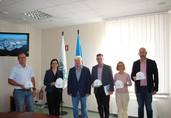 Посол Канади в Україні Лариса Ґаладза відвідала підприємства «НІБУЛОНа»