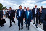 Прем'єр Гройсман: такі підприємства, як «НІБУЛОН» творять сучасну історію і сильну Україну